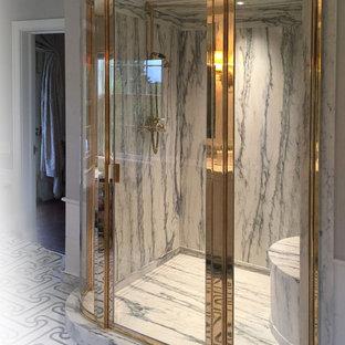 Esempio di una grande stanza da bagno padronale con doccia doppia, pareti beige, pavimento alla veneziana, pavimento grigio e porta doccia a battente