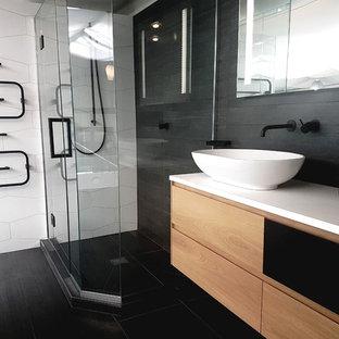 Badezimmer mit schwarz-weißen Fliesen in Neuseeland Ideen ...