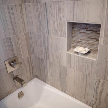 Shreveport Springlake Modern Bathroom