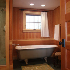 traditional bathroom by Battle Associates, Architects