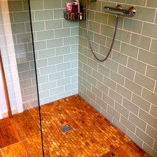 Industrial Bathroom by Silver Birch House ltd