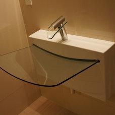 Modern Bathroom by BAUFORMAT