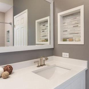 Inspiration för mellanstora moderna en-suite badrum 5717aeaf0843f