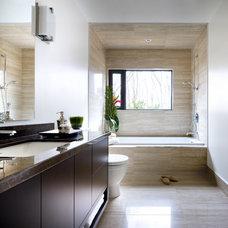 Modern Bathroom by Caricari Lee Architects Inc.