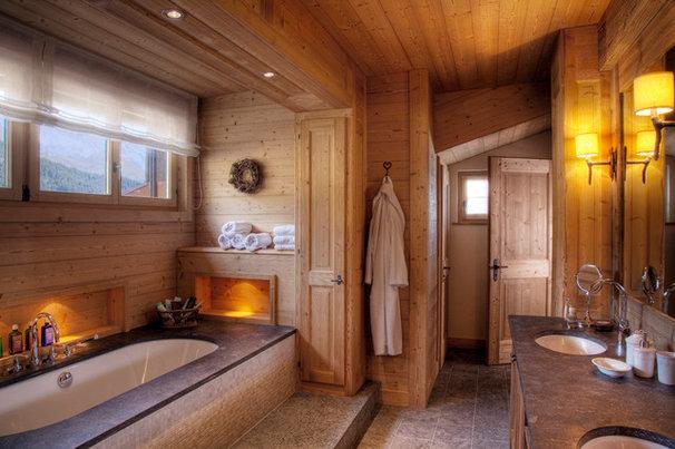 Eclectic Bathroom by MCM Designstudio