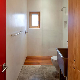 Merveilleux Walk In Shower   Contemporary Concrete Floor Walk In Shower Idea In  Portland With