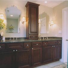 Traditional Bathroom by Chicago Renovation & Development
