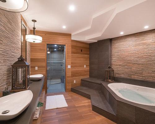 Salle de bain asiatique avec un bain bouillonnant photos for Bain bouillonnant