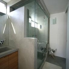 Contemporary Bathroom by David Hertz & Studio of Environmental Architecture