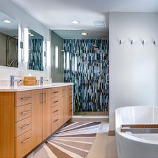 Midcentury Bathroom by McIntosh Poris Associates