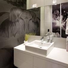 Contemporary Bathroom by SVOYA studio