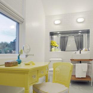 Inspiration pour une salle de bain marine pour enfant avec un carrelage métro.