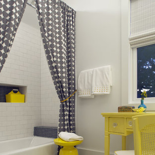 Inspiration för maritima badrum för barn, med tunnelbanekakel