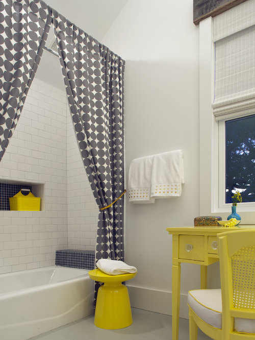Inspiration For A Beach Style Kidsu0027 Subway Tile Bathroom Remodel In Atlanta