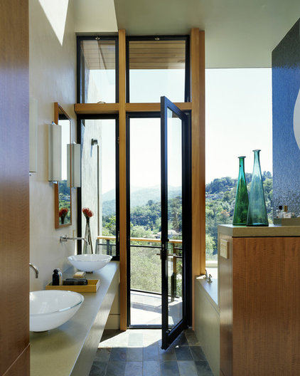 Modern Bathroom by House + House Architects
