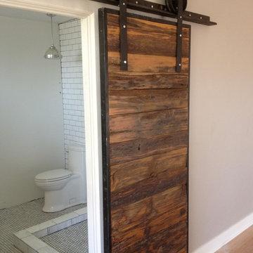 Sliding Barn Door - Mushroom Wood / Red-Grey Hemlock