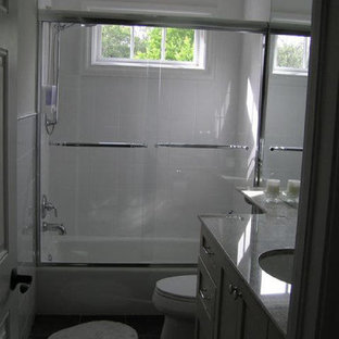 Example of a classic tub/shower combo design in Tampa