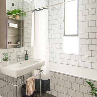 Inspiration for a contemporary bathroom in Sydney.