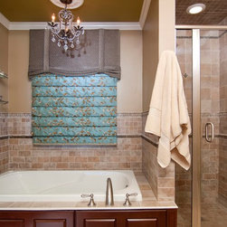Small and large shower bath design ideas pictures for Bathroom ideas 9x9