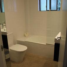 Contemporary Bathroom by Devise Decor