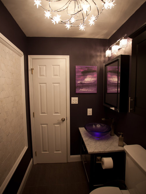 Example Of A Classic Bathroom Design In Orange County