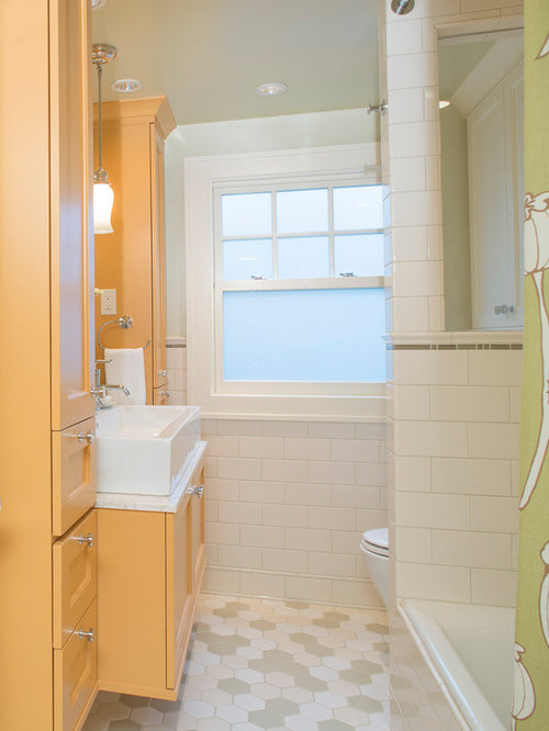 Small bathroom layout home design ideas pictures remodel - Small bathroom remodel with tub ...