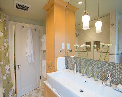 Hall bathroom remodel home design ideas pictures remodel for Hall bathroom ideas