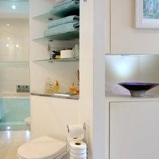 Modern Bathroom by Philippa Richard - You Just Rightsize