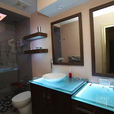 Modern Bathroom by David Stout