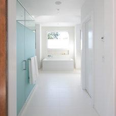 Contemporary Bathroom by DOUGLAS A. MCQUILLAN - ARCHITECT