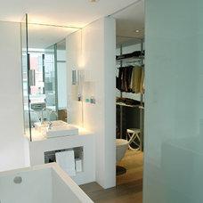 Modern Bathroom by kimberly peck architect