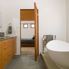 Modern Bathroom by Friehauf Architects Inc.