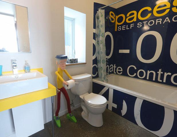 エクレクティック 浴室 by Solterre Design