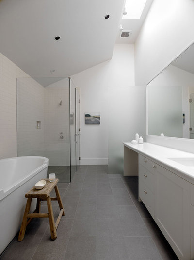 Modern Bathroom by Min | Day Architects