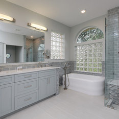 Bath design ideas pictures remodel decor with for Bath remodel gurnee