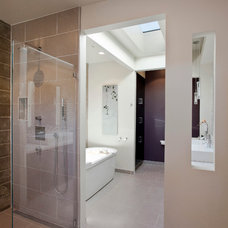 Modern Bathroom by Elevation Architects