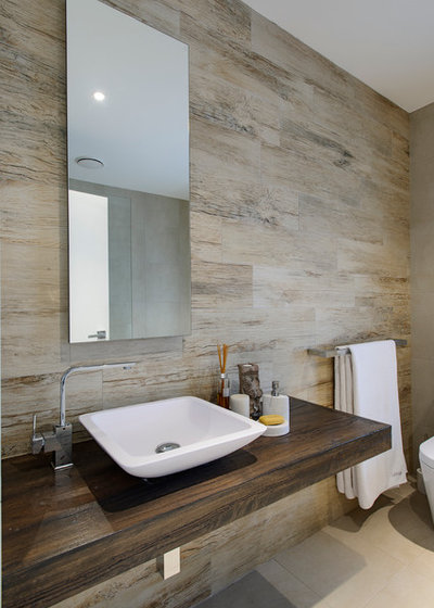 Contemporary Bathroom by CAPITAL BUILDING :: Apartment - Renovations