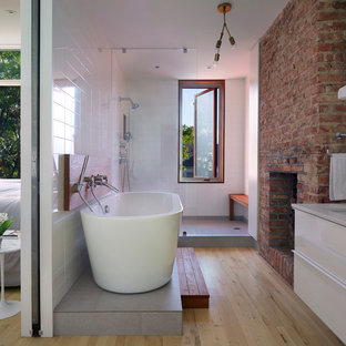 Inspiration for a midcentury modern bathroom remodel in New York
