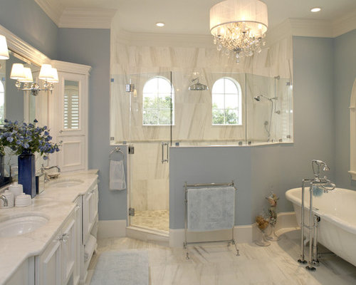 Shower with half wall ideas pictures remodel and decor for Traditional bathroom photos