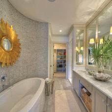 Beach Style Bathroom by Georgia Coast Design & Construction