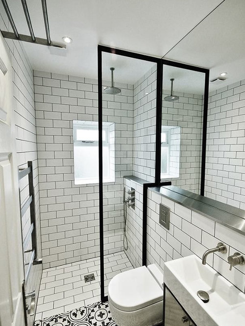Small ensuite bathroom ideas pictures remodel and decor for Small bathroom design houzz