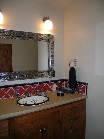 Mediterranean Bathroom by Tali Hardonag Architect