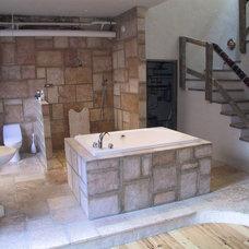 Modern Bathroom by DSA Architects