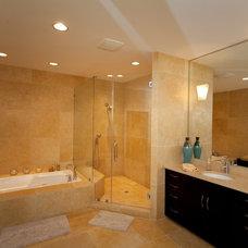 Modern Bathroom by Distinctive Remodeling, LLC