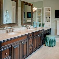 Traditional Bathroom by Riley Custom Homes & Renovations