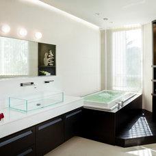 Contemporary Bathroom by SW designs
