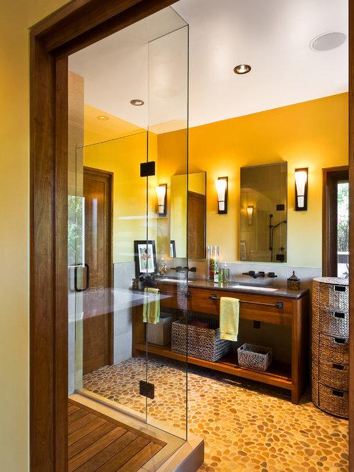 salle de bain asiatique avec une douche en alc244ve photos