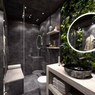 Foto på ett tropiskt badrum