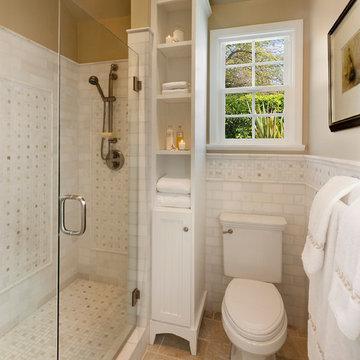 Space Saving Traditional Bathroom