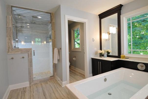 Modern Bathroom by The Kitchen Studio of Glen Ellyn